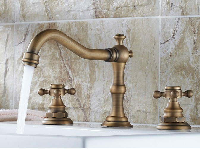 Antique Brass Dual Cross Handle Three-hole Bathroom Basin Hot & Cold Faucet / Bath Tub Mixer Tap Cnf202