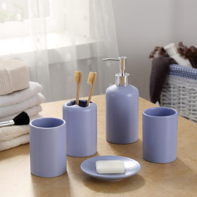 European Ceramic Bathroom Products Couple Cups Toothbrush Soap Holder Dish Bottle Home Hotel Accessories Set High Quality