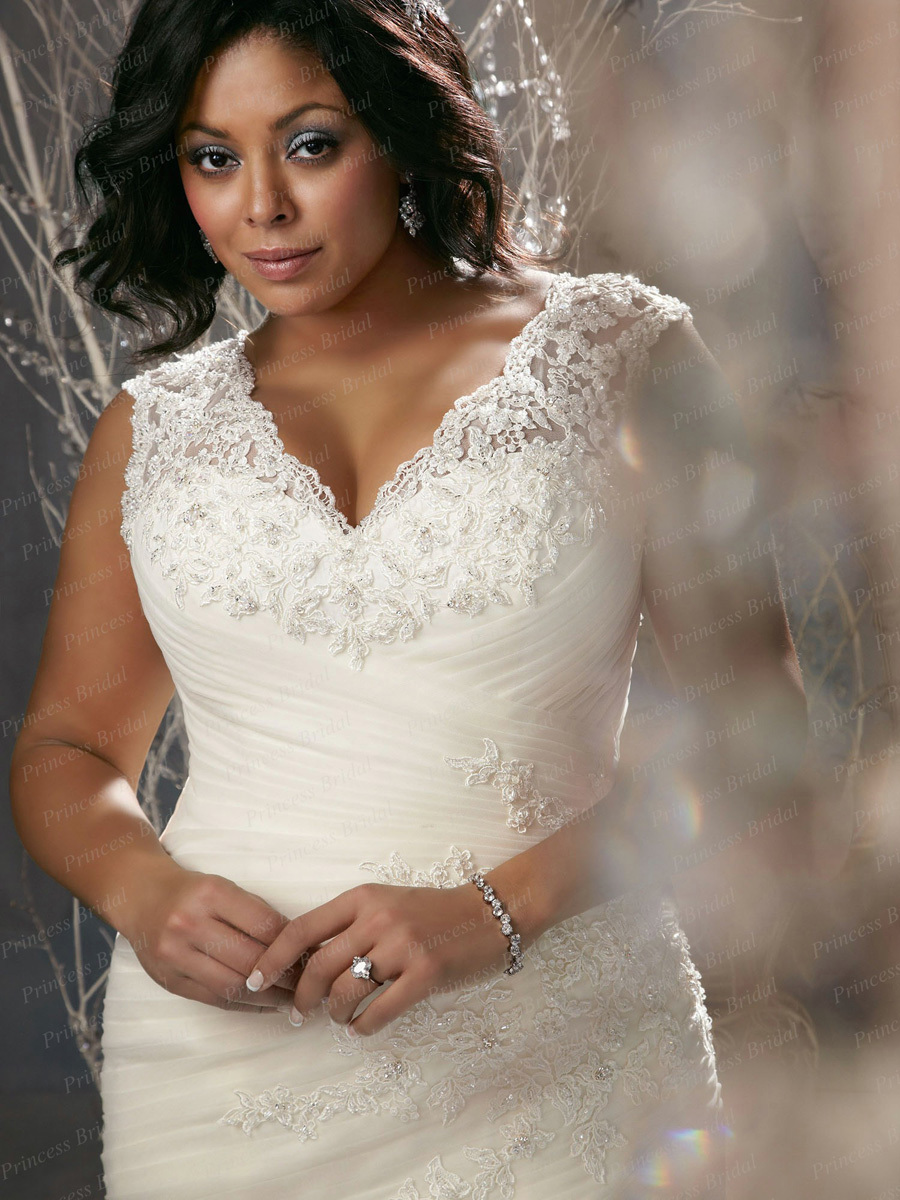 trumpet style strapless satin wedding dress with creative appliques hswdh trumpet style wedding dress
