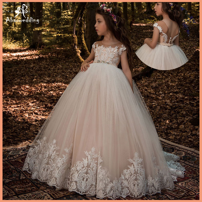 Beautiful Lace Floral Appliques Cap Sleeves Flower Girl Dress V Back Style Champagne Kids Tulle Pageant