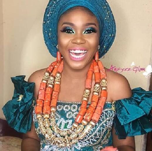 Incroyable réel grandes perles de corail ensemble de bijoux de mariage africain nigérian femmes Costume de mariée corail or déclaration collier ensemble CNR873