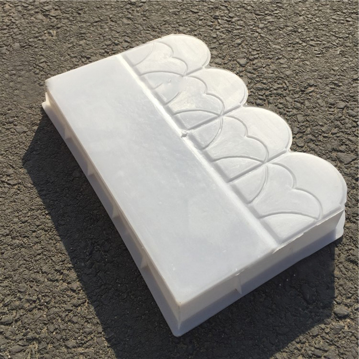 Fence Flower Mold Pool Courtyard Plastic Brick Tree Hole DIY Concrete Mold Pathing Decor Paving Mold for Garden Building SupplyFence Flower Mold Pool Courtyard Plastic Brick Tree Hole DIY Concrete Mold Pathing Decor Paving Mold for Garden Building Supply