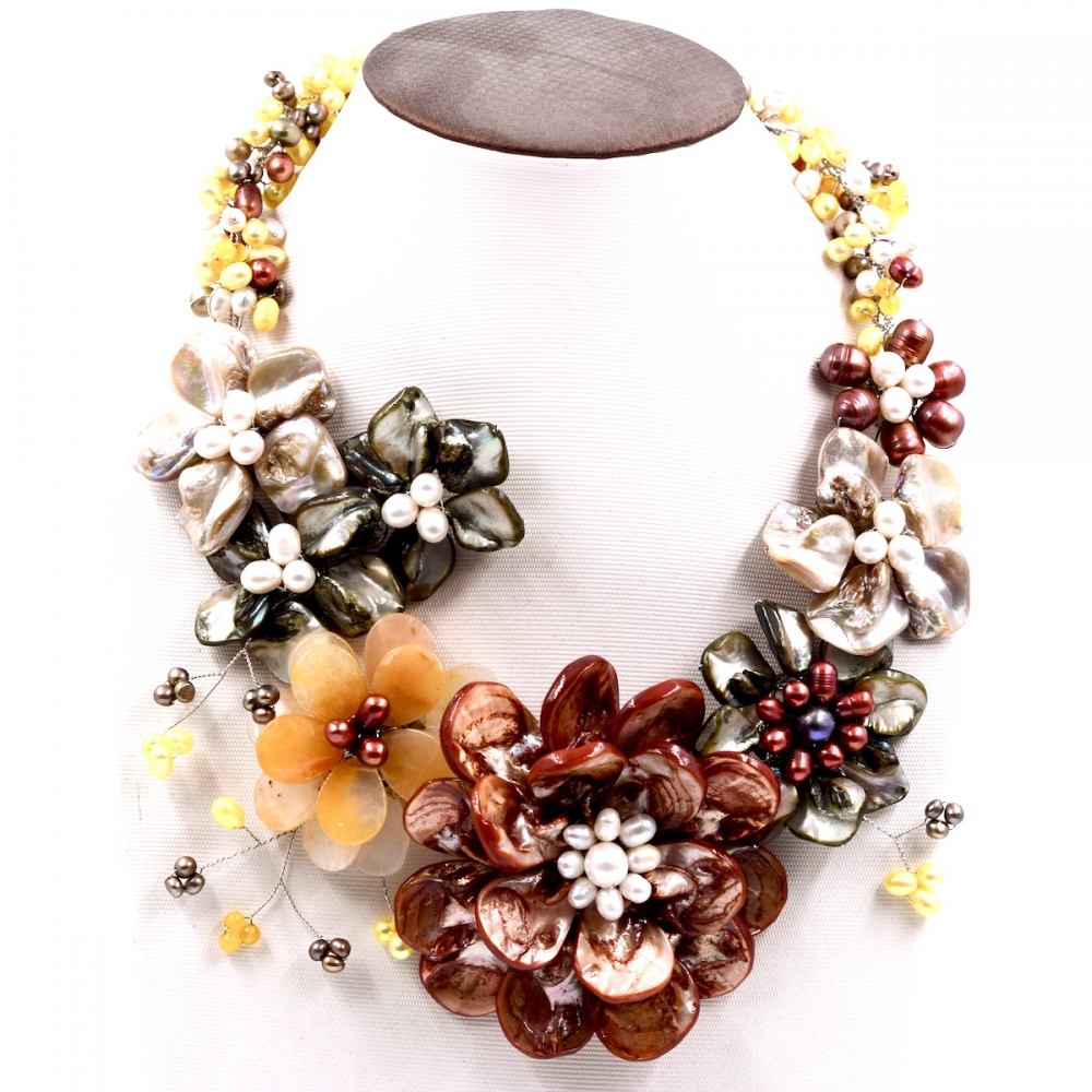 2017 Lady Women Handmade Yellow Stones Freswater Pearls Shell Flower Necklace New Fashion Jewelry Dress Accessories stylish faux pearls feather flower hollow out necklace for women