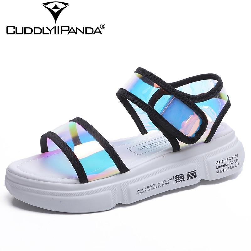 סנדלי נשים 2018 קיץ חידוש CuddlyIIPanda מסנוור לייזר אותיות Mujer Sandalias נעלי חוף סנדלי פלטפורמת וו & לולאה