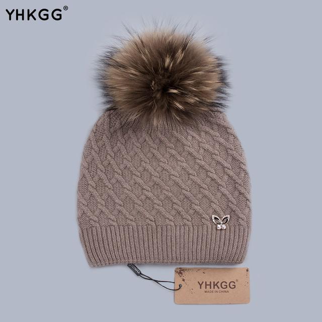 Yhkgg gorros cap 2016 moda chapéus bonitos com pequeno coelho cabeça Removível De Pele Bola De Multi Inverno Quente Chapéu Feito Malha Das Senhoras H0166