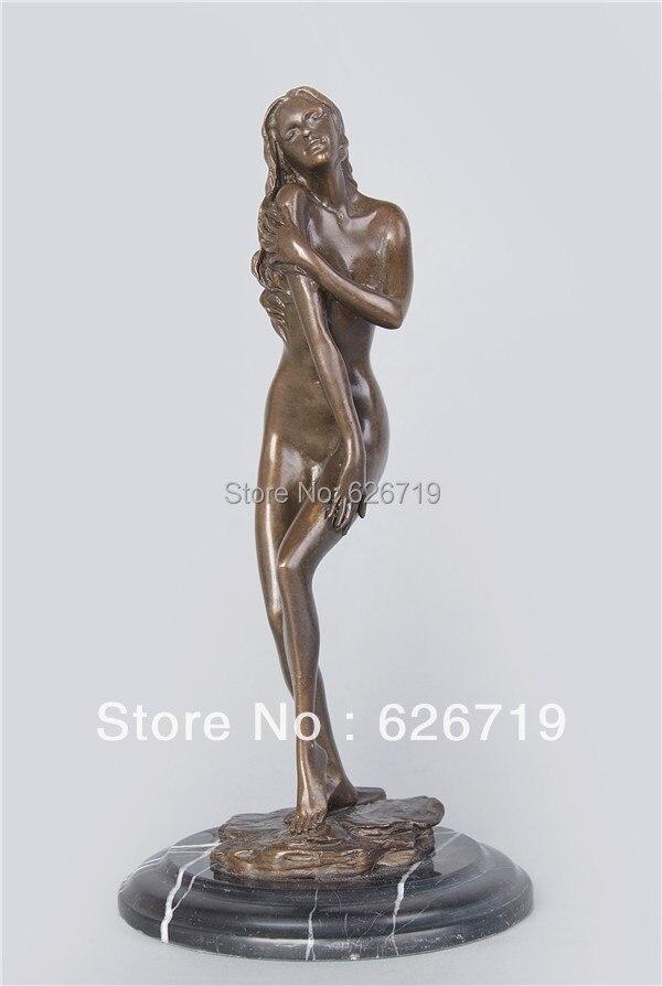 женские статуи эротические