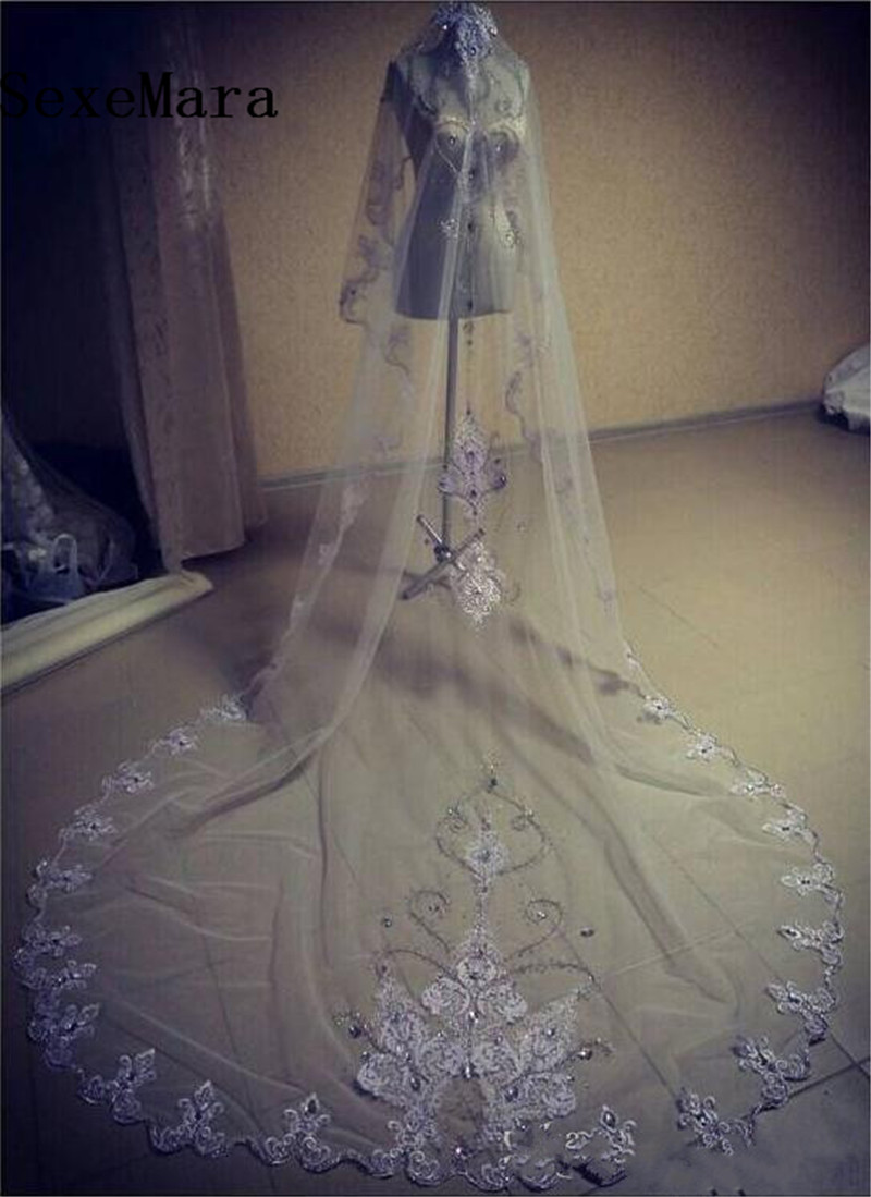 Elegant Rhinestones Wedding Veil One Layer Appliqued Beads Edge Bridal Veils Cathedral Veil With Comb White Ivory Custom Made