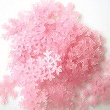 50 PCs 3 cm Luminous Snowflake Xmas Decor Glow In The Dark Baby Kids Bedroom Home Garden Decor Fluorescent Decal