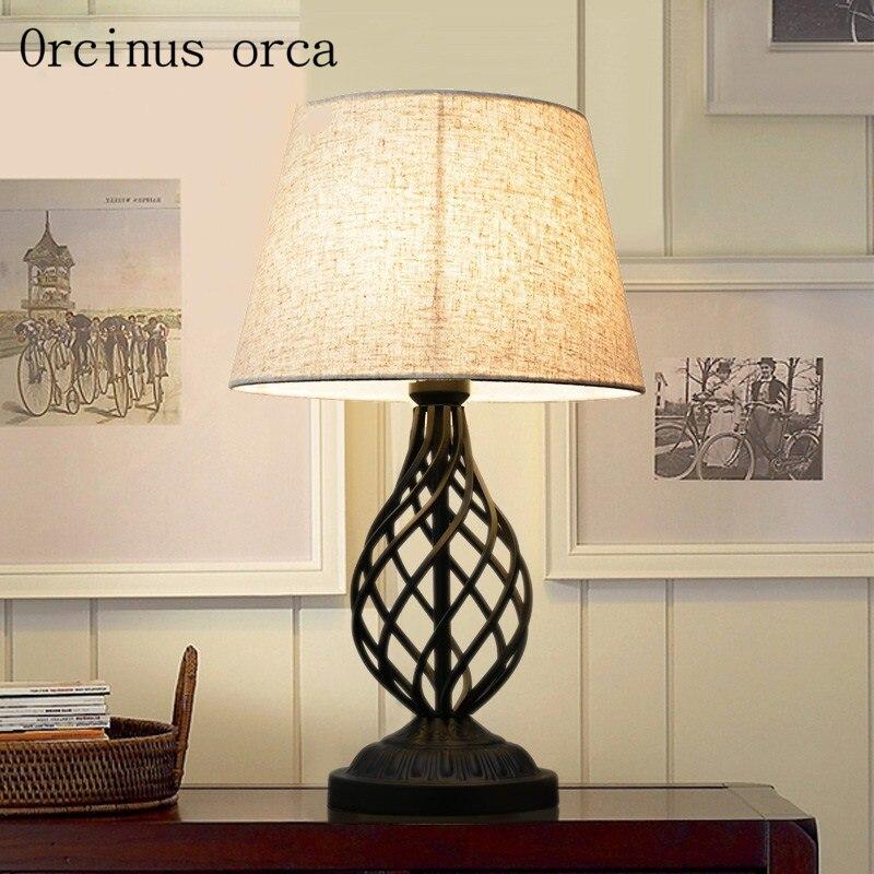 Американский современный минималистский Утюг настольная лампа гостиная ночники ретро личности выдолбленные Настольная лампа Бесплатная ...