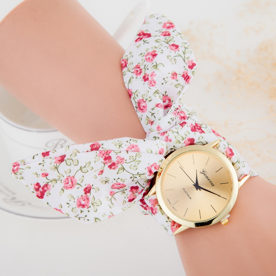 MINHIN Sweet Flower Design Lace Bracelet Gold Color Casual Watches Wedding Dress Quartz Watch High Quality Friendship Watch
