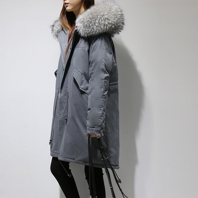 Best Price parkas mujer 2018 Winter Loose Women's Real Raccoon Fur Collar Hooded Down Parkas Jacket Causal Long Padded Jacket Coat Female