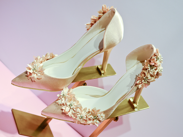 Wedding shoes NEW shallow mouth thin heels bridal shoes pointed toe high-heeled shoes flower champagne color free shipping