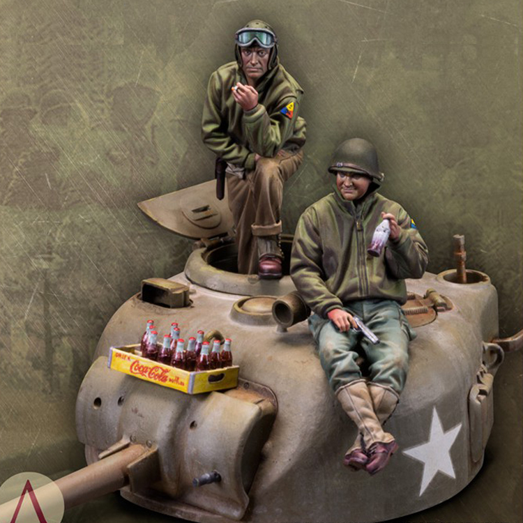 1/35 Resin Model Kit WW2 Tank Soldiers Figures (includeds Car ) Unpainted And  Unassembled 295G