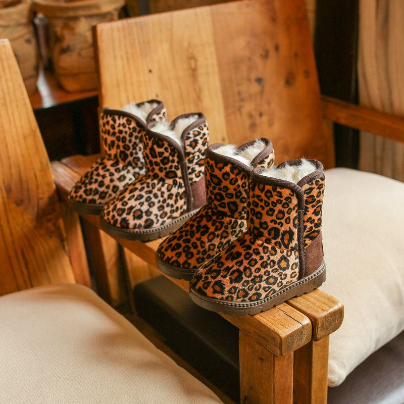 Botas de nieve de invierno 2019 para niños, niños y niñas, botas de moda con estampado de leopardo, grandes zapatos casuales de algodón para niños