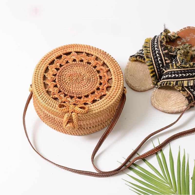 Arsmundi New Women Straw Bag Handmade Rattan Women Round Bohemia Style Beach Circle Bag Hollow Retro Kintted Bow Shoulder Bags