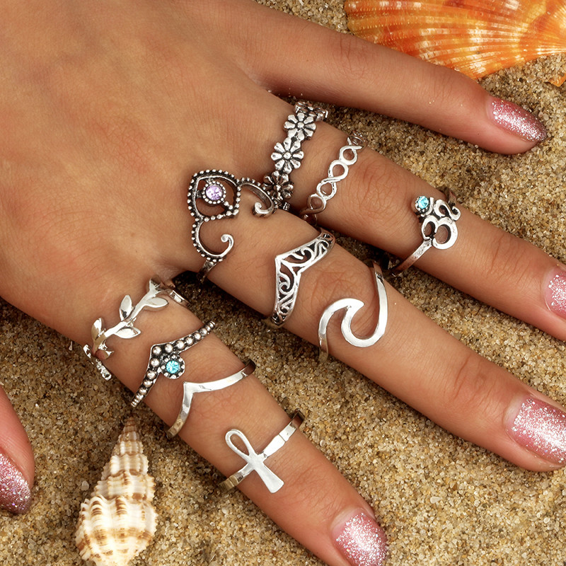 Vintage Knuckle Ring Set For Women Crystal Hollow Flower Ancient Silver Color Rings Wavy Shape Crown Middle Finger Jewelry Men