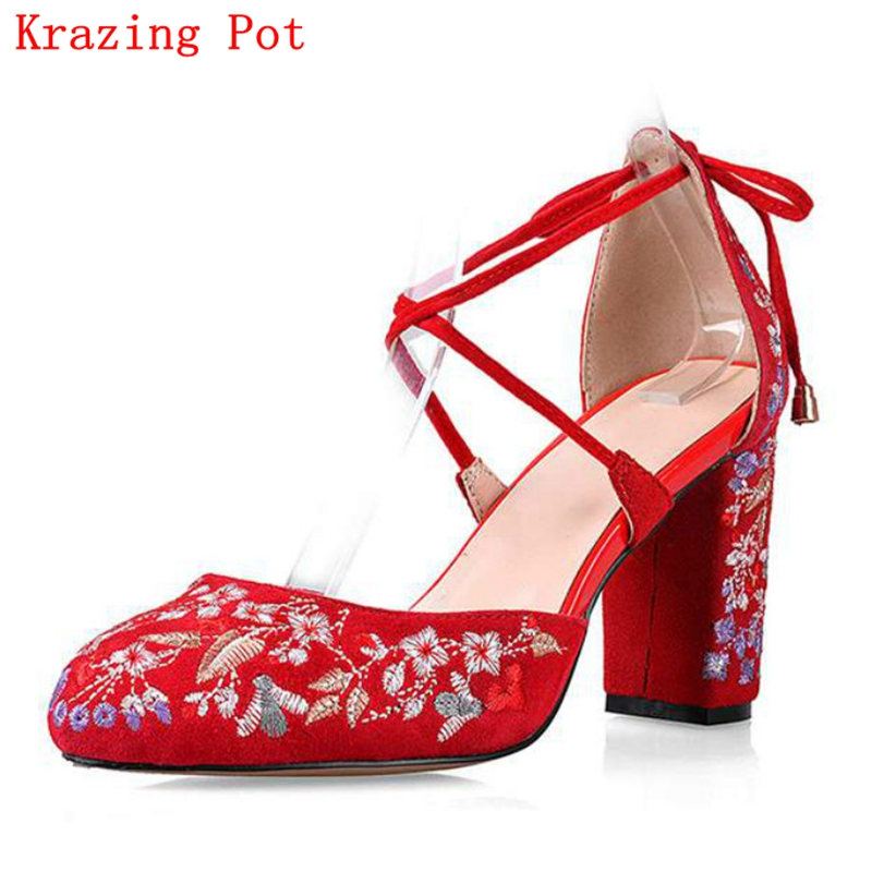2017 superstar women pumps high heels round toe wedding big size Chinese style embroidery bowtie office wedding runway shoes L38 big size high heels round toe women platform shoes cool casual white lace wedge black creepers medium pumps mesh chinese fashion