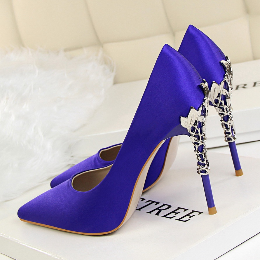Metal Carved Thin Heel High Heels Pumps Women Shoes 2018 Sexy Pointed Toe Ladies Shoes Fashion Candy Colors Wedding Shoes Woman 5