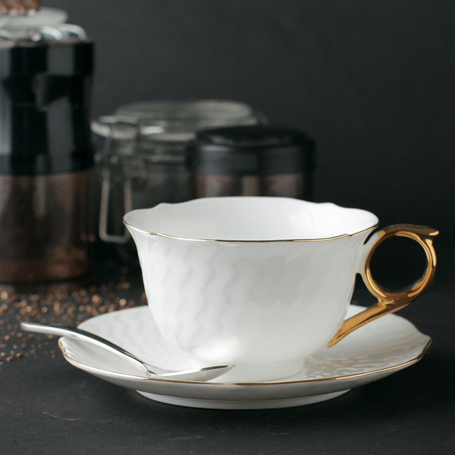 China Porcelain Tea And <font><b>Coffe</b></font> <font><b>Cup</b></font> <font><b>Set</b></font> Tea <font><b>Cups</b></font> And Saucers China Ceramic Copper Luxury Breakfast <font><b>Cups</b></font> <font><b>Set</b></font> Coffee Vaso WKD086 image