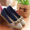 Nueva Llegada del Resorte Pisos Bowtie de Las Mujeres Zapatos de Lona de La Raya de Las Mujeres Resbalón en Los Zapatos de Lona Ocasionales de Las Mujeres Zapatos de Mujer 5C13