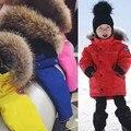 Лучший Бренд Дети Зимой Вниз Пальто Конфеты Цвета Девушки Парни Куртка Теплый Природа Меха С Капюшоном Toddle Мальчики Одежда Верхняя Одежда Парки