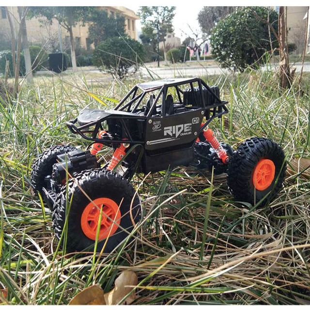 alloy 2.4G rc car 1/16 10km/h Off-Road Drive Bigfoot cars electric four-wheel climbing Double Motors Vehicle toys car for gift 3