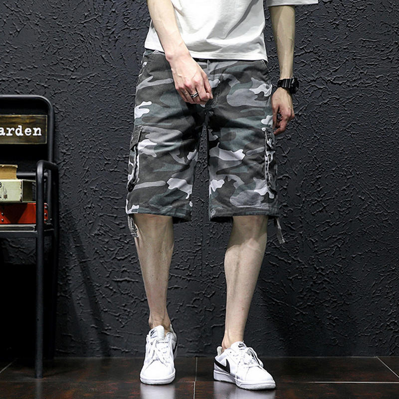 2018 New Skull Camouflage Loose Cargo Shorts Men Cool Summer Military Camo
