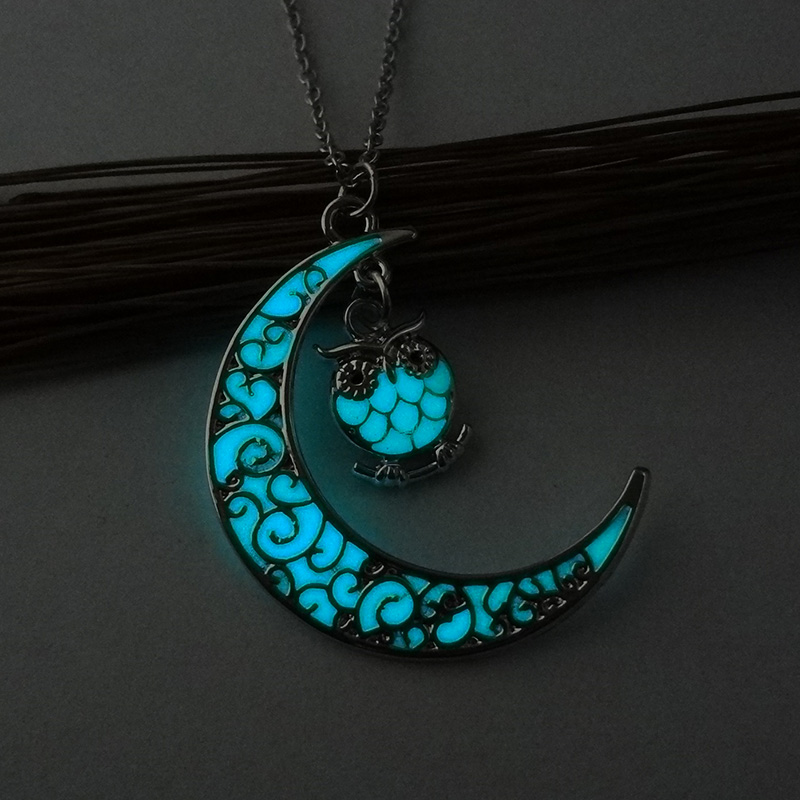 2019 New Hot Moon Owl Glowing Pendant Necklace Cute Gem Charm Jewelry Silver Plated Women Fashion Luminous Necklace Gifts