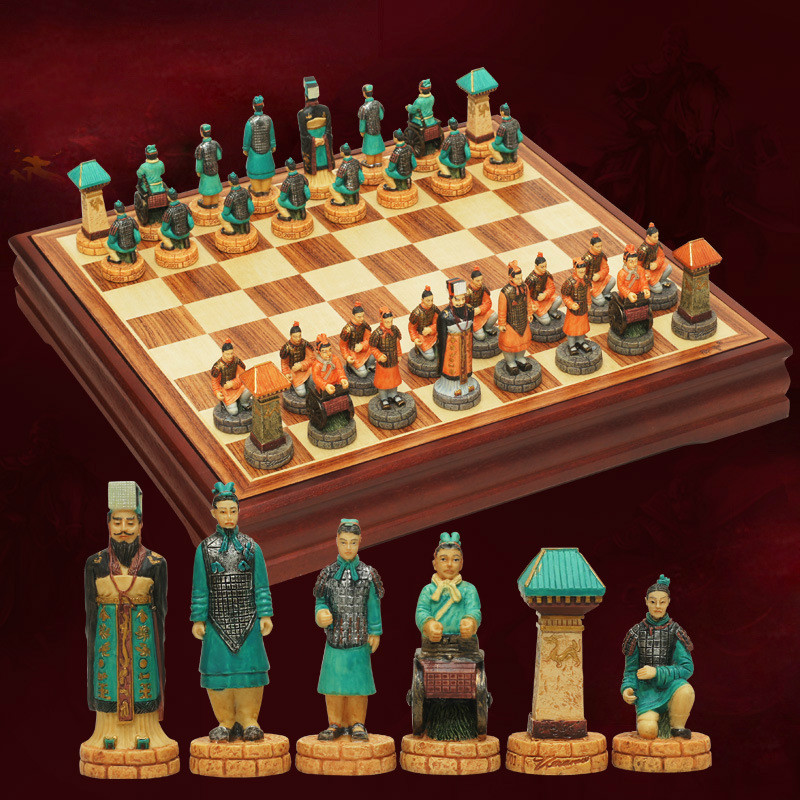 38.5 * 38.5 * 5cm Chess Set Chinese Style Retro Queen Character Modeling Three-Dimensional Character Modeling Resin Qin And Han modeling