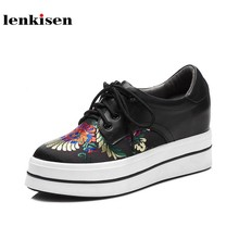 439587b4 Lenkisen nuevo cuero de vaca punta redonda LACE up thick bottom estilo  simple zapatilla bordado famoso mujeres zapatos vulcaniza.