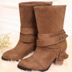 Image 2 - ผู้หญิงรองเท้าแฟชั่นรอบ Toe ผู้หญิงฤดูหนาวรองเท้าสบายส้น FLOCK รองเท้าผู้หญิงเข็มขัดตกแต่งกลางลูกวัว Martin รองเท้า