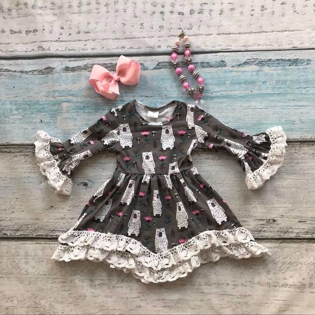 Niñas ropa de bebé ropa de los niños impresión del oso polar de algodón otoño invierno blanco vestido de encaje con encanto manga flare collar a juego y arco