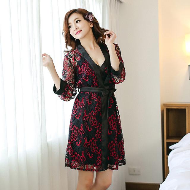 Chegada nova Estilo das mulheres do Verão Sexy Robe Set Frete Grátis 2016 Rendas Roupão de Banho + Camisola Bordados de Flores Mini Sleepwear Hot