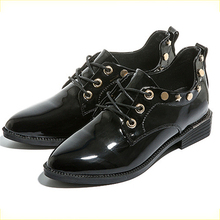 Mujeres zapatos Oxford pisos punky remaches negro Beige Retro moda charol  zapatos Casual Oficina damas zapatos bda5eb95cdf2