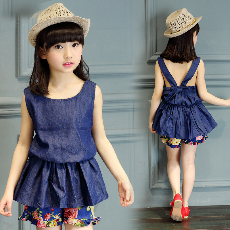 8ede154eda4c 2019 new girls dress summer suit sleeveless vest denim shorts two piece  floral Korean girl kids tops+shorts Two pieces-in Clothing Sets from Mother    Kids ...