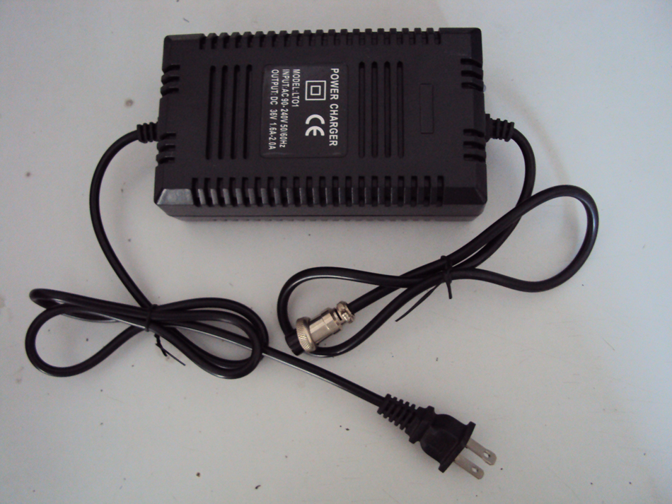100-240VAC Universal Input 36V 1.8A (suitable For 7-14Ah Lead Acid Batteries) Razor Scooter Charger