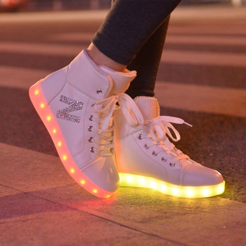 14f6a2c7467 High top zapatos muchachas de la manera ocasional mujeres de simulación up  light glowing cesta led luminoso zapatos adultos femmale intermitente led  ...