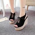 Verano 2017 nuevos zapatos grandes sandalias de cuña de base plana cinturón de lazo zapatos boca de los pescados impermeables de Taiwán súper altos zapatos de plataforma