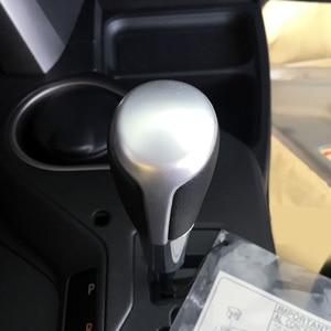 Image 2 - Voor Toyota RAV4 2014 2015 2016 2017 Accessoires Matte Interieur versnellingspook Emmer hoofd decoratie Cover Trim 1 stks