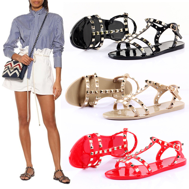 Women Stud Sandals Strappy Jelly Flat Summer Flat Shoes Waterproof Beach Flat Fegrated Studded Shoes Rivets
