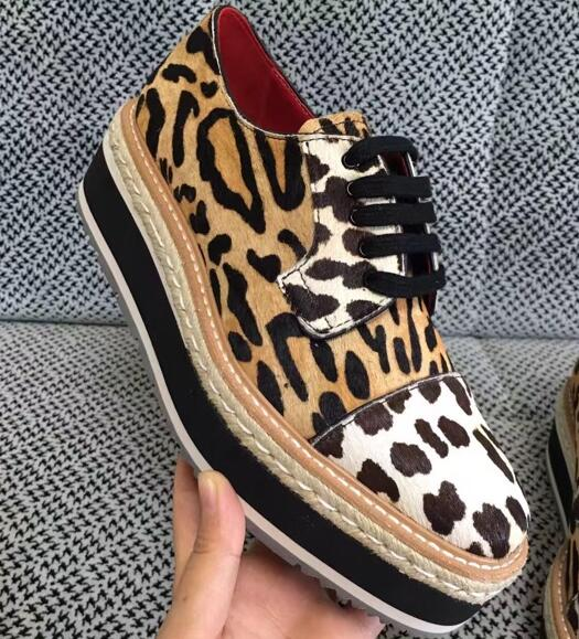 ФОТО Hot selling leopard printed flat platform shoes for woman 2017 high quality lace-up casual shoes woman single shoes