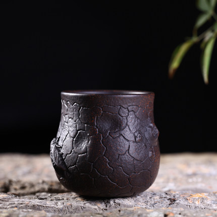 hot 1pcs 100ml Yixing raw ore purple sand tea small cup handmade tea ceremony with black gold sand master cup