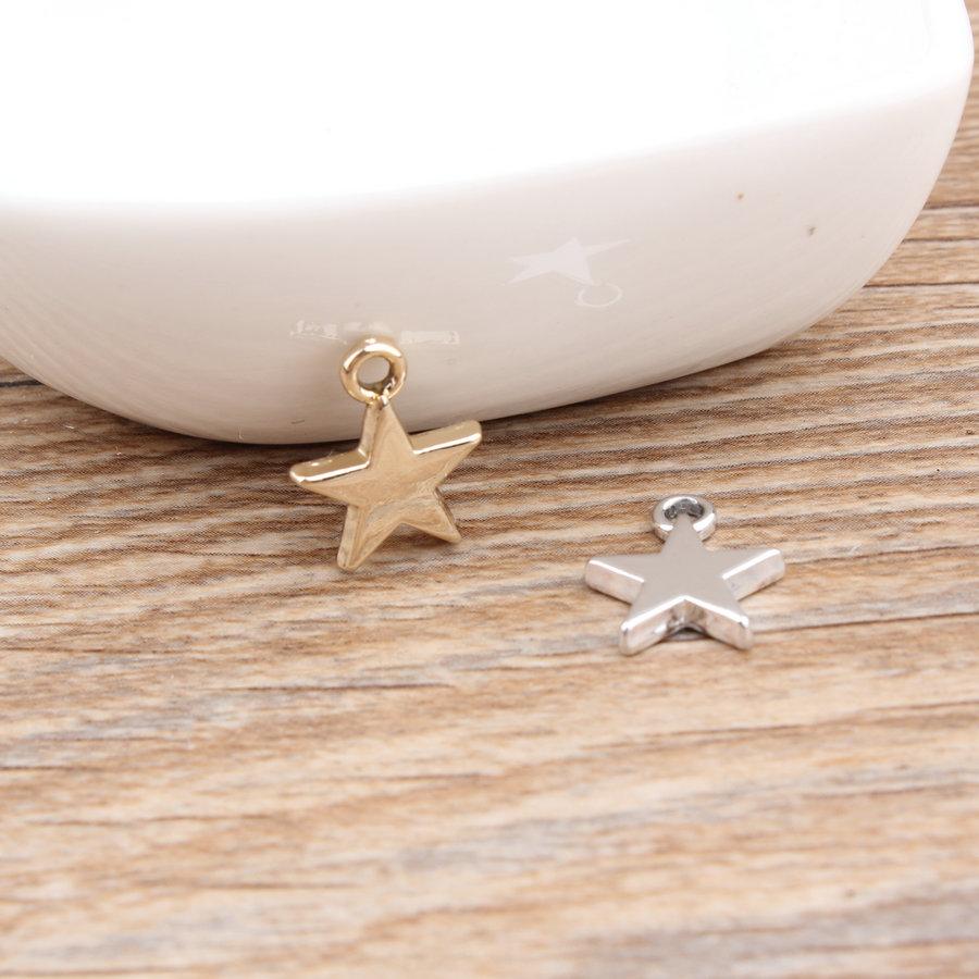 d15eed791db7 Accesorios de joyería de bricolaje 50 unids lote de oro tono plateado  dibujos animados estrellas forma Metal encantos Fit collar pulsera  pendientes ...