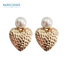 SANSUMMER Earings Fashion Jewelry Simple Temperament Individuality Earrings Metal Texture Strawberry Pearl 5490