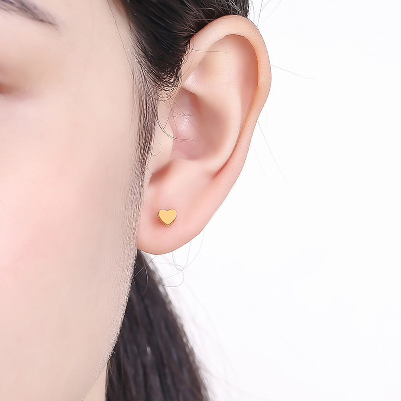 Твердые серьги из желтого золота AU750 женские милые серьги гвоздики с сердечками - 4