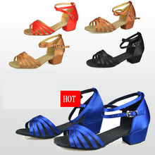 Buty do tańca prezent na boże narodzenie sala balowa łacińskie buty do tańca dziecięce buty satynowe zamszowe oksfordzie niska odporność na zużycie niska cena hurtowa gorąca tanie tanio ruimo WOMEN Balowej latin buty Zaawansowane Satin Dla dorosłych Plac heel CHILD SHOES 1--4 Średnie (b m) Miękka podeszwa
