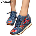 New Style  Women Chinese Style Flower Embroidered Pumps Ladies Casual Old Beijing 5cm Wedges Platforms Heels Shoes Big Size 41