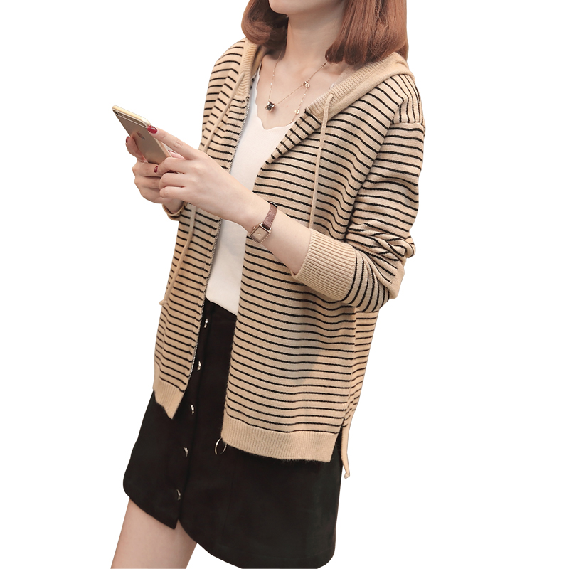 2018 new Striped Sweater Women Cardigan Knitted Sweater Coat Long Sleeve Crochet Female Casual V-Neck Woman Cardigans Tops
