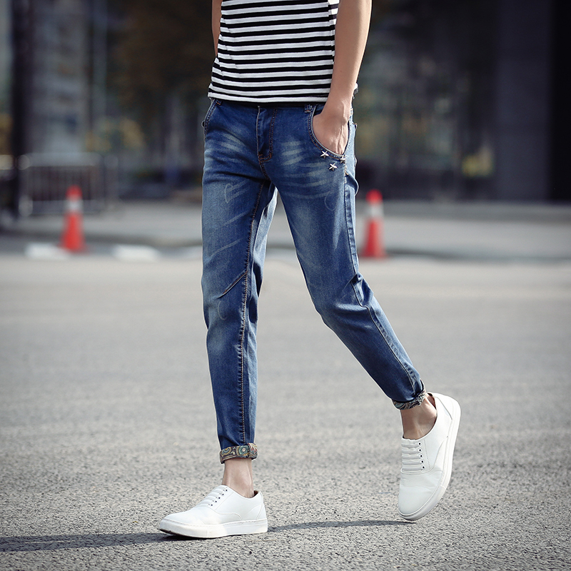 Men hipster fashion Hipster Men Style Hipster outfits men Mens grunge fashion Hipster guys Men summer fashion Hipster hat Hipster shoes Summer Outfits [Men] Forward Casual hipster mens fashion look - Fedora hat, loose fit shirt and distressed jeans, hair, moustache and beard.