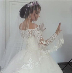 BKW128 White 2018 Vintage Wedding Dresses Long Sleeves Lace Applique Court Train Wedding Gowns Custom Made Bridal Dress 2